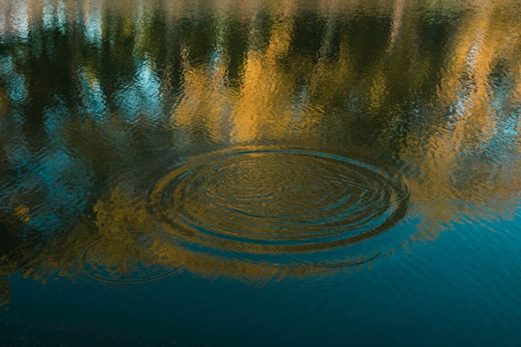 Calm lake disturbed by a ripple - Erectile Dysfunction can cause similar disruption
